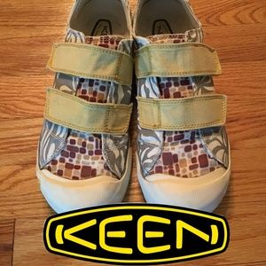 Keen Sula Yellow/Gray/Browns size 9 Womens
